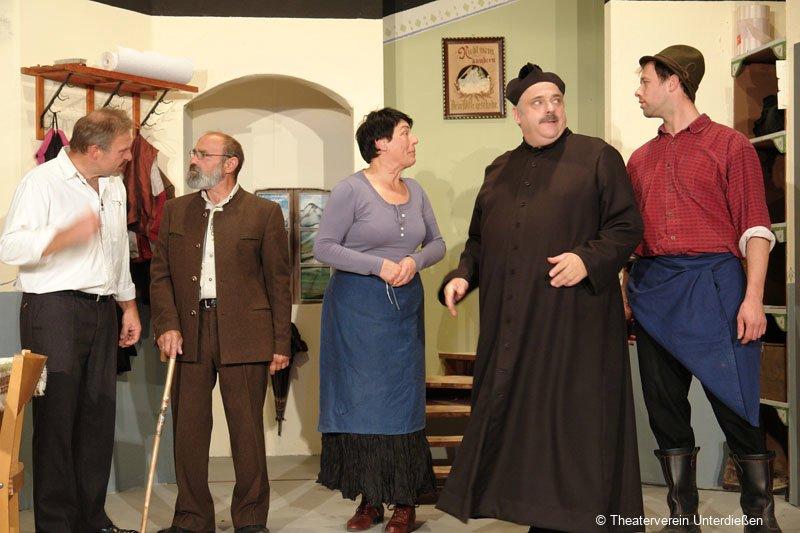 theater2012__12_20121111_1833395930